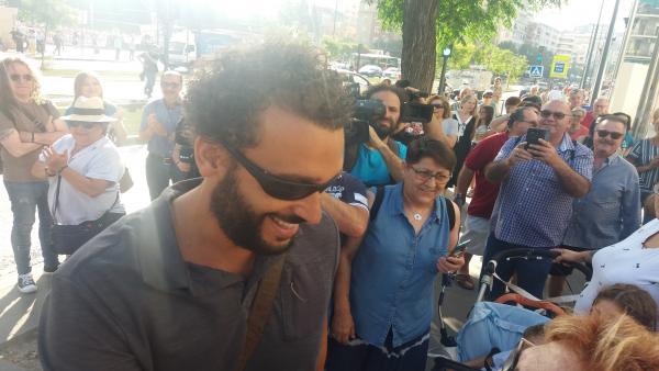 El doctor Candel argumenta que criticó la gestión sanitaria y que se defendió de 'los ataques' de Díaz