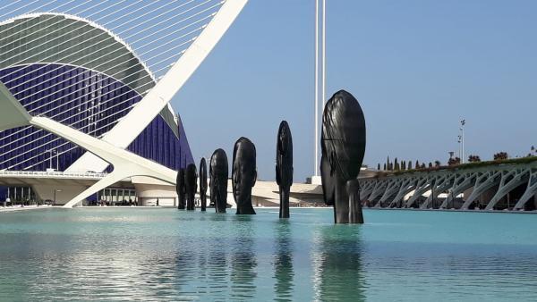 Esculturas de Jaume Plensa en la Ciutat de les Arts de València