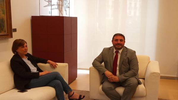 Reunión entre Uxue Barkos, presidenta del Gobierno de Navarra en funciones y líder de Geroa Bai, y Unai Hualde, presidente del Parlamento de Navarra.