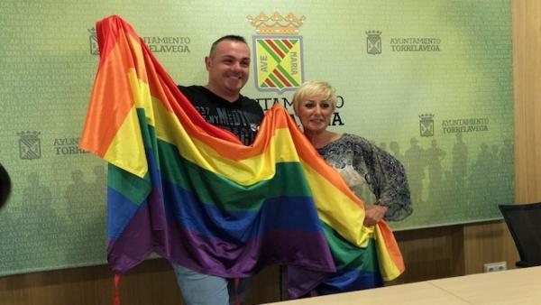 Presentación de la fiesta del día del orgullo gay