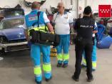 La Policía y los técnicos sanitarios llega al lugar del accidente.