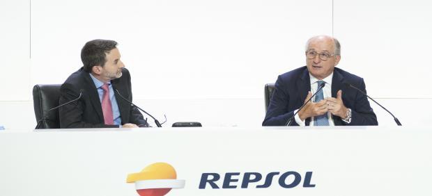 Imaz y Brufau en la junta de accionistas de Repsol en 2017