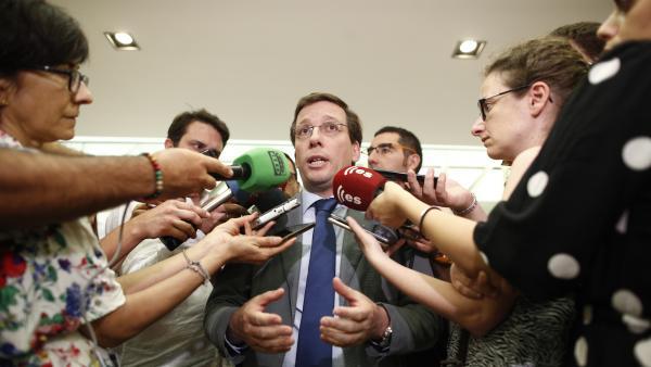 El alcalde de Madrid, José Luis Martínez-Almeida, en el Ayuntamiento de Madrid.