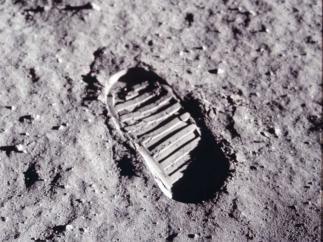 Huella de Aldrin tras probar la respuesta mecánica que ofrecía el suelo a la penetración de las botas