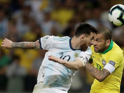 Messi y Alves