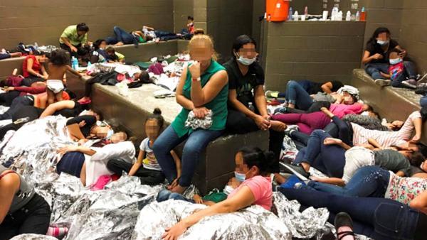 Hacinamiento en comisarías de la frontera de EE UU con México