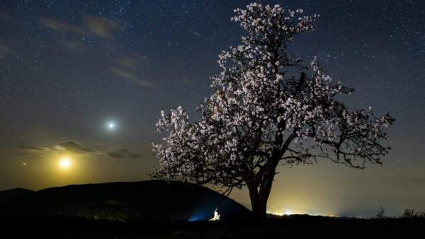 Un meteorito surca el cielo
