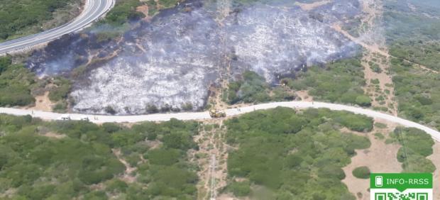 Incendio en el paraje Arroyo de Matatoris en Tarifa