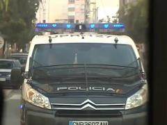 La Policía Nacional en el barrio de El Puche (Almería)