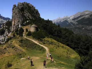 El Parque Nacional de Ordesa y Monte Perdido retoma las rutas guiadas por las ermitas de Tella con motivo del Centenario.
