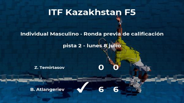 Bekkhan Atlangeriev vence al tenista Zhanibek Temirtasov en la ronda previa de calificación