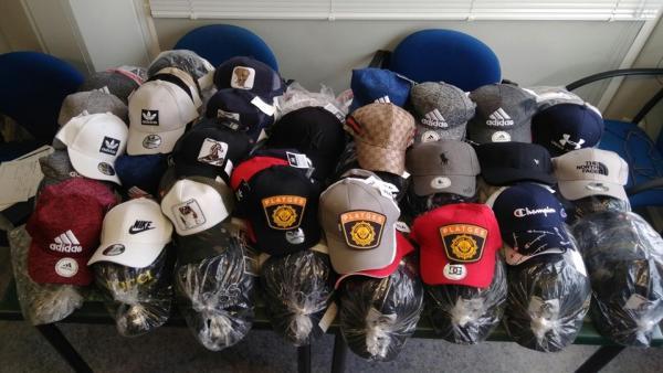 Gorras decomisadas en València