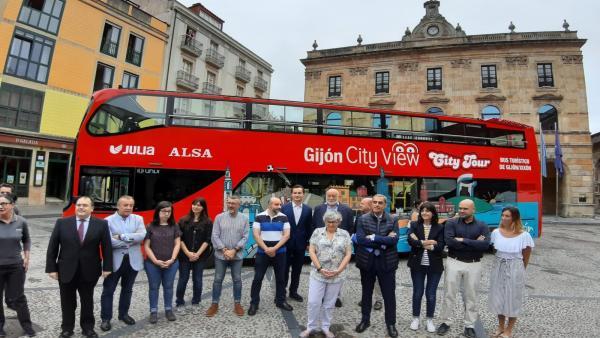 Presentación del Bus Turístico de Gijón