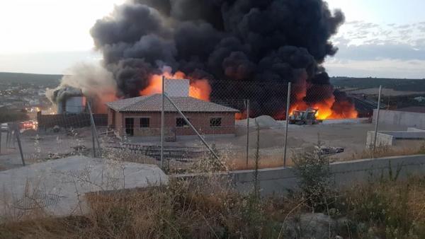 Incendio de la planta de selección de envases de Resurja
