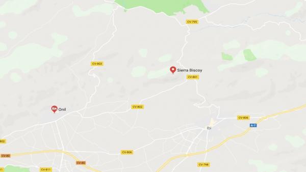 Un incendi forestal crema l'Alt de Biscoi a l'Alcoià