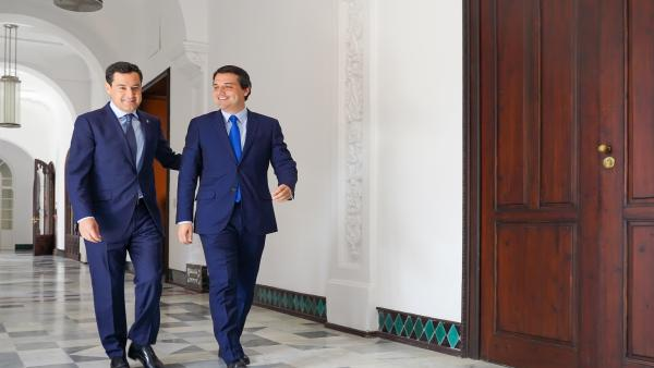 El presidente de la Junta, Juanma Moreno, se reúne con el alcalde de Córdoba, José María Bellido, en el Palacio de San Telmo.