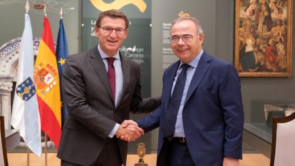 El presidente de la Xunta, Alberto Núñez Feijóo, se reúne con el alcalde de Santiago de Compostela, Xosé Sánchez Bugallo