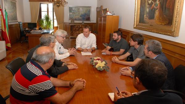 El presidente de la Diputación, Francisco José Requejo, durante la reunión con los empresarios.