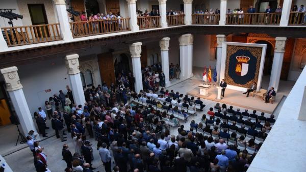 García-Page en el acto de toma de posesión del nuevo Gobierno.