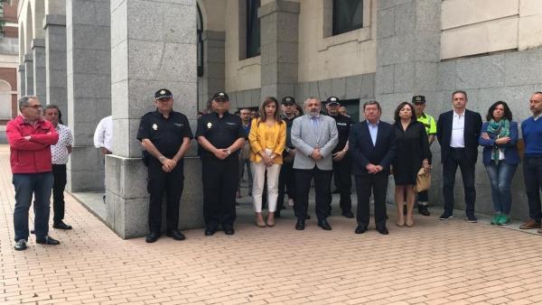 Concentración a las puertas de la subdelegación del Gobierno en Burgos.