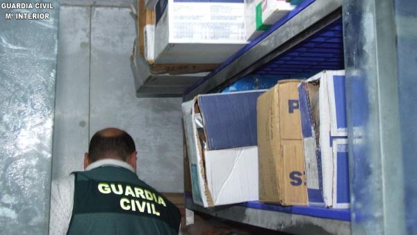 La Guardia Civil detiene a una persona por la comisión de un delito de estafa en la compra venta de productos de restauración.