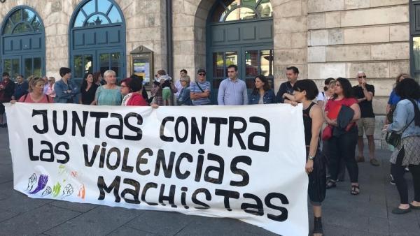 Concentración contra la violencia machista en Salas de los Infantes (Burgos)