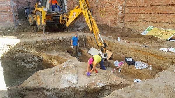 Restos romanos encontrados en un solar de la calle Gil de Fuentes de Palencia.