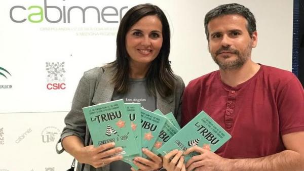 Marta Delgado con su libro 'La Tribu. Conociendo a Sara'