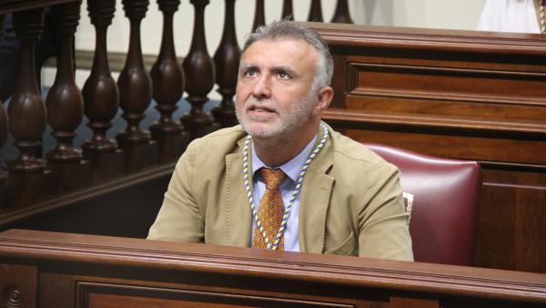 Resultado de imagen de Torres psoe parlamento