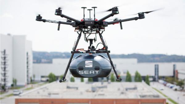 Drones para recibir piezas de coches, la última innovación en el sector de la automoción