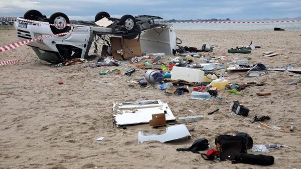 Caravana volcada por el temporal en el norte de Grecia