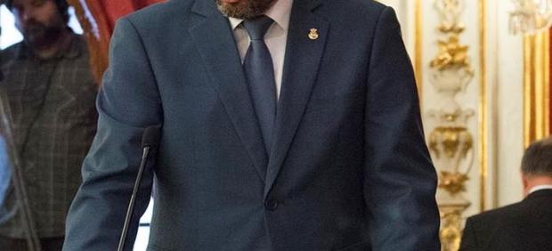 Juan Franco, alcalde de La Línea tomando posesión como diputado provincial