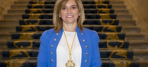 Amaia Barredo ha toma posesión como concejala de Movilidad de Vitoria en sustitución de Itziar Gonzalo.