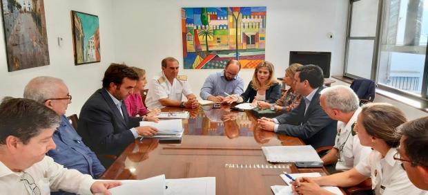 Reunión en el Ayuntamiento de El Puerto sobre la playa de Fuentebravía