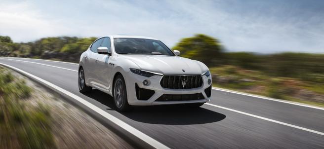 Maserati lanza los todocaminos más potentes de su historia