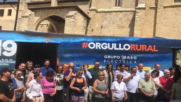 Visita del autobús de Presura 2019 a Paredes de Nava (Palencia).