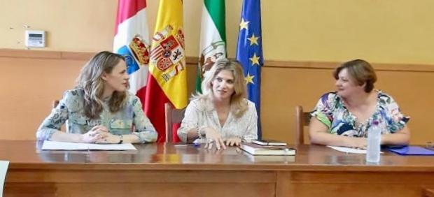 Mestre con la alcaldesa de Prado del Rey
