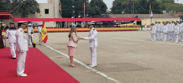 Irene García en el acto de entrega del sable de Diputación