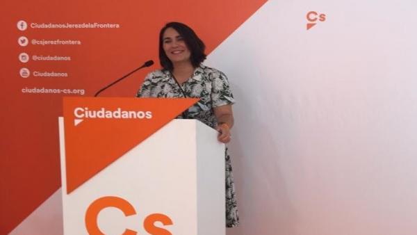 María del Carmen Martínez, diputada nacional de Ciudadanos, en la rueda de prensa