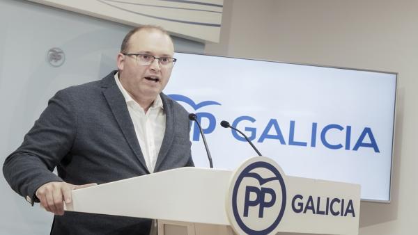 El secretario xeral del PPdeG, Miguel Tellado, en rueda de prensa en la sede del partido