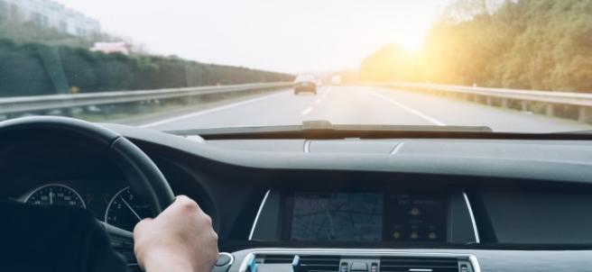Alrededor de 8 millones de conductores circulan sin ver con nitidez.