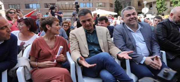 Pedro Sánchez y María Chivite en un acto político del PSOE en Pamplona