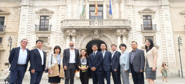 Una delegación de la 'East China University of Science and Technology' (ECUST) visita la Universidad de Sevilla
