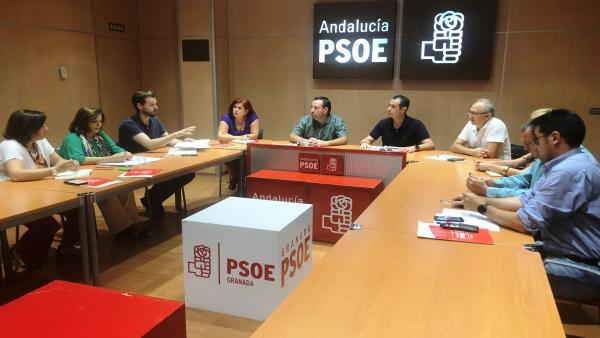 Reunión del PSOE de Granda con el sindicato CSIF