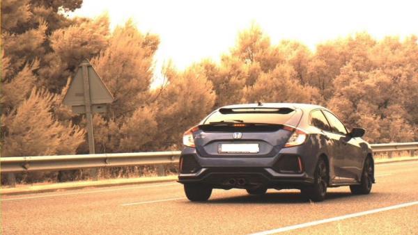 Imagen Del Vehículo Circulando A 184 Kilómetros Por Hora.