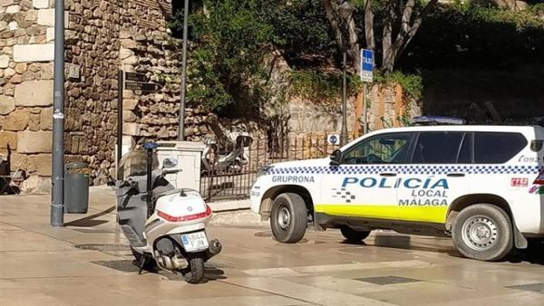 Coche y motocicleta de la Policía Local de Málaga