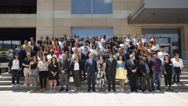 Un total de 110 alumnos de todo el mundo participan estos días en los Cursos de Derecho Internacional y Relaciones Internacionales de Vitoria, encuentro que cumple 38 ediciones celebrándose en el marco de los 'Cursos de Verano' de la Universidad del País