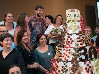 Gerard Piqué se emociona en un acto de la Fundación Aura
