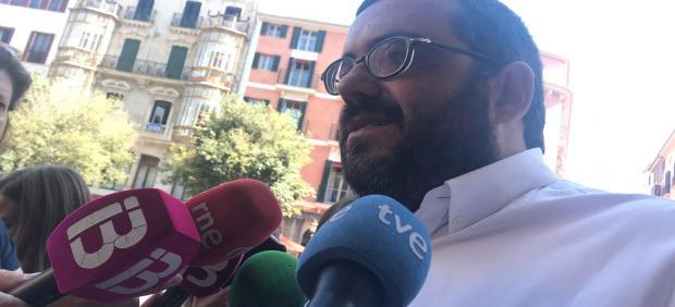 El senador autonómico, Vicenç Vidal, en declaraciones a los medios