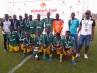 Jóvenes de Sierra Leona que han participado en el torneo de fútbol Donosti Cup